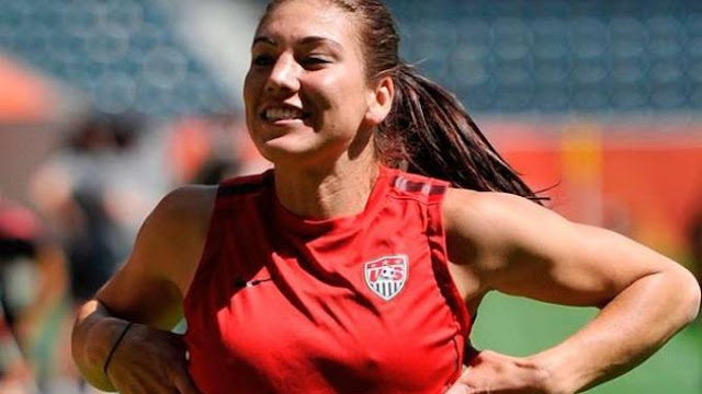 10 Pemain Sepakbola Wanita Paling Cantik