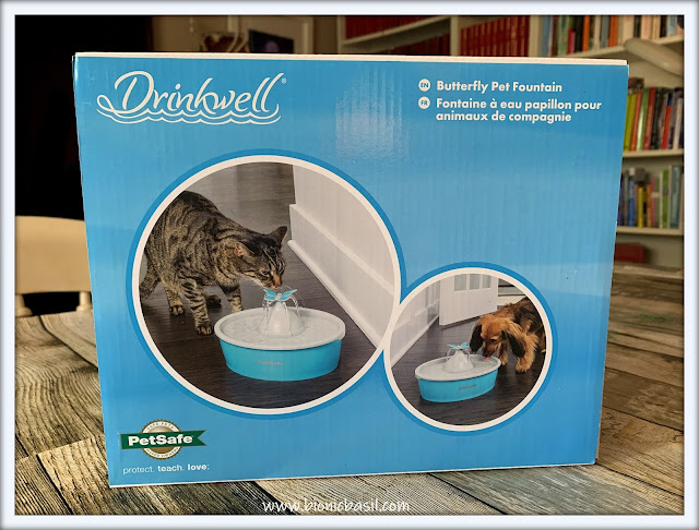 What's In The Box ©BionicBasil® The Drinkwell® Butterfly Pet Fountain