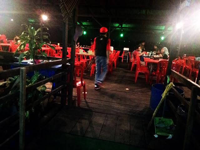 Layan Ikan Bakar & Karaoke Santai di Restoran Tasik Idaman