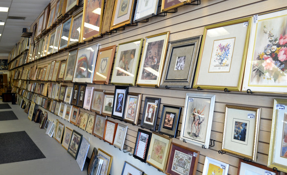 New uses artwork and picture frames