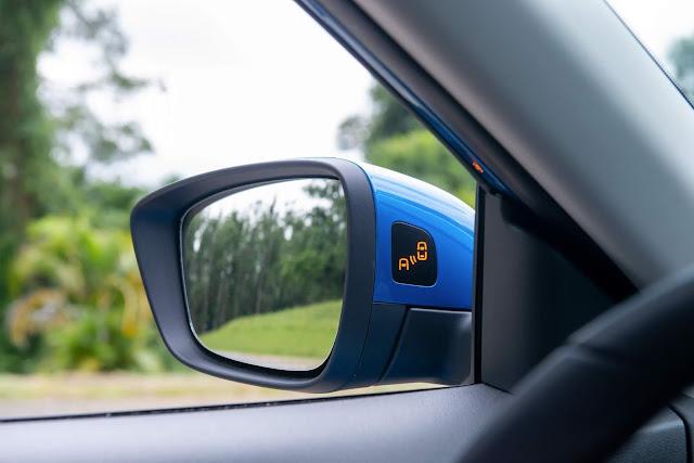 Novo Chevrolet Tracker 2021 - alerta de ponto cego