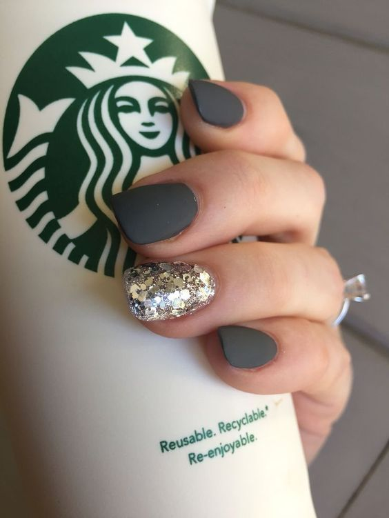 12 Cool Amazing Christmas Nails for You