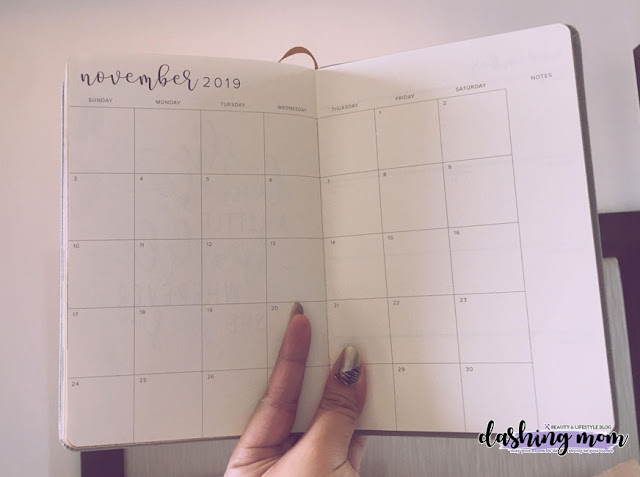 Parisian Shoes and Bags Planner 2019 Month