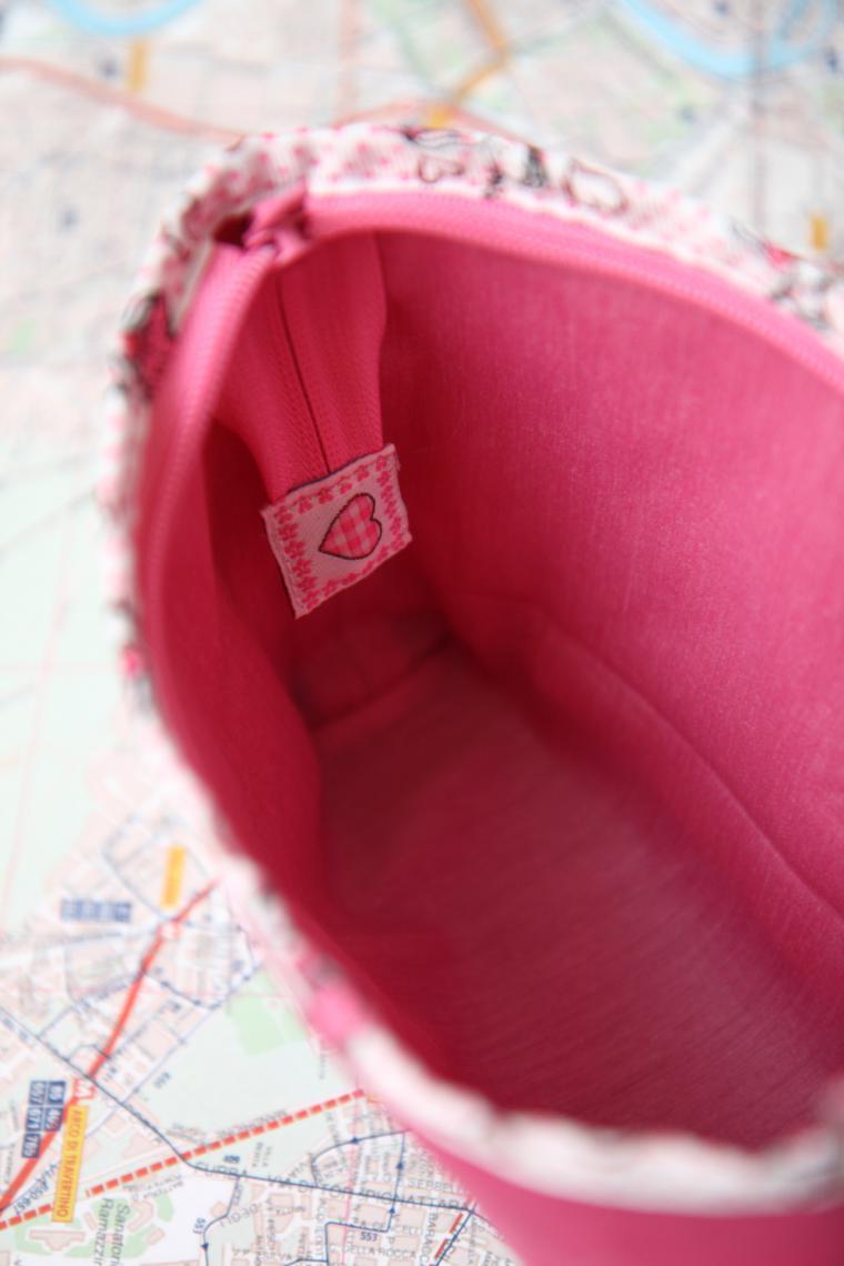 An Easy Way to Sew a Bright Zip Vanity-Bag. DIY Tutorial