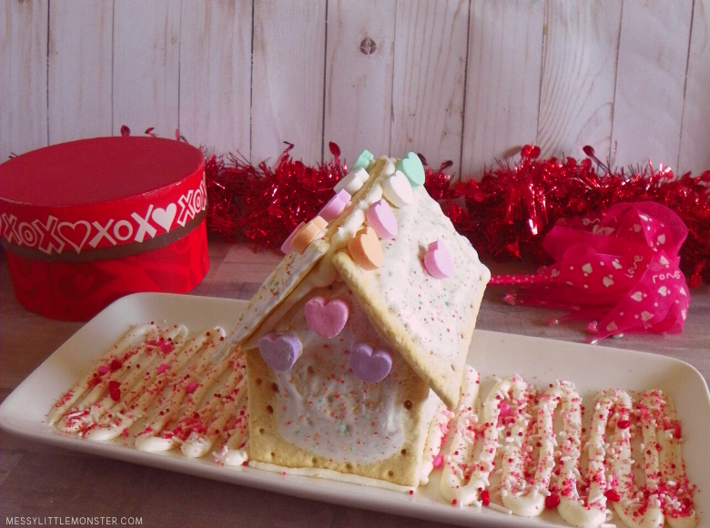 how to make a Valentine pop tart house