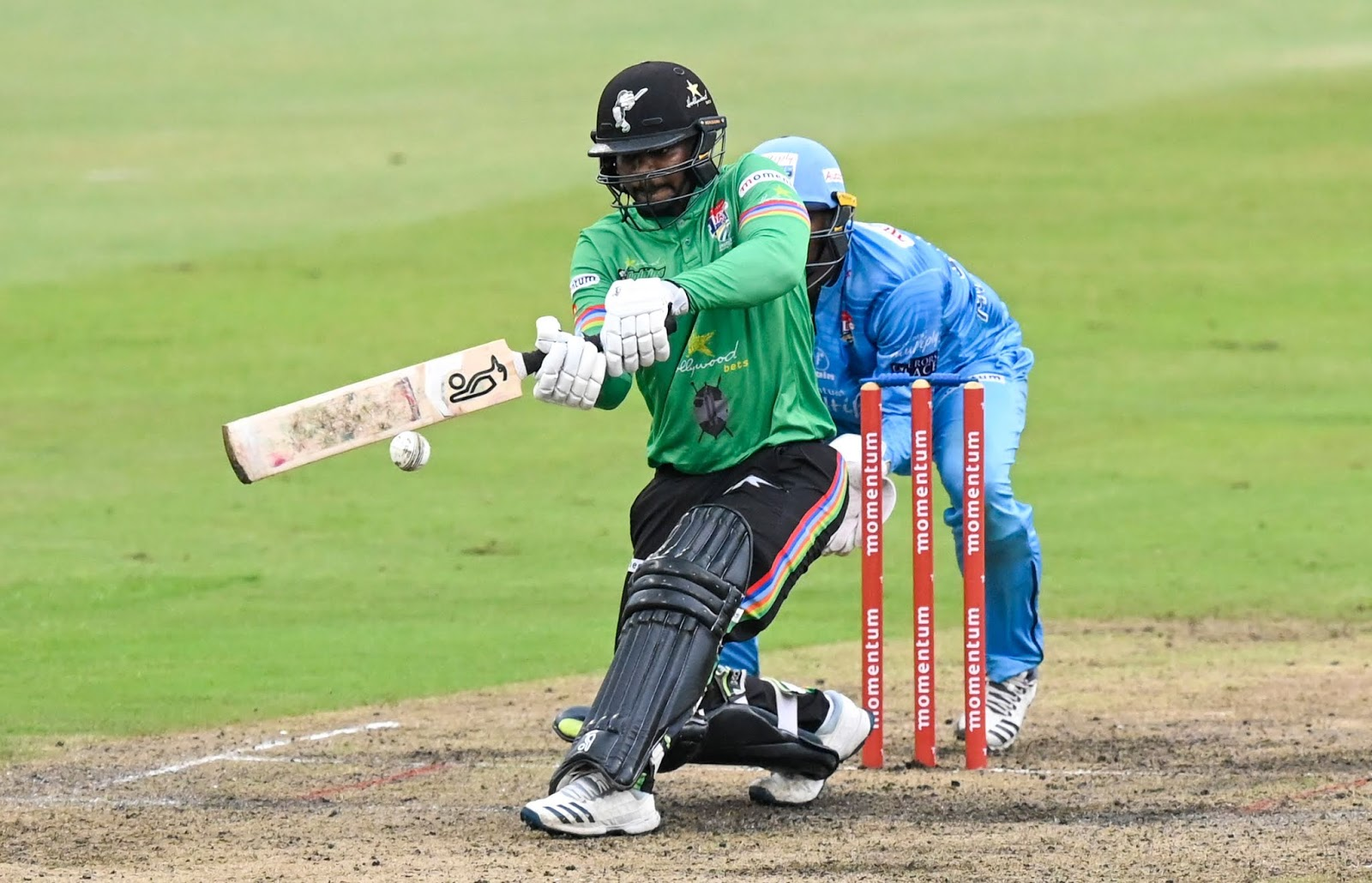 Dolphins make it six wins from seven in the MODC
