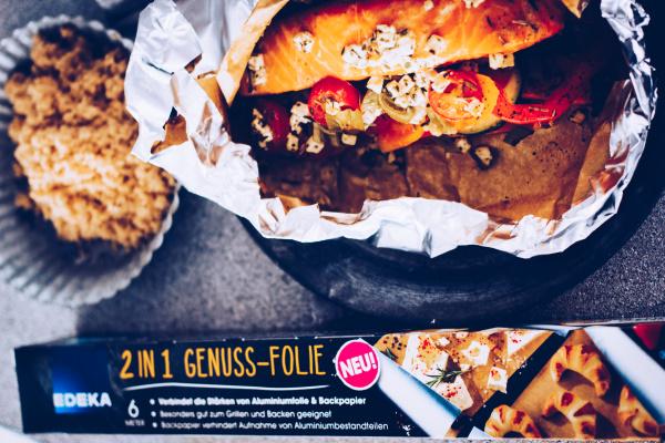 Grillen ohne Alufolie: Rezept für Grillpäckchen mit Lachs und Süßkartoffeln. By titatoni.de