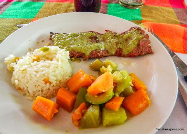 Comer em Tikal, Guatemala