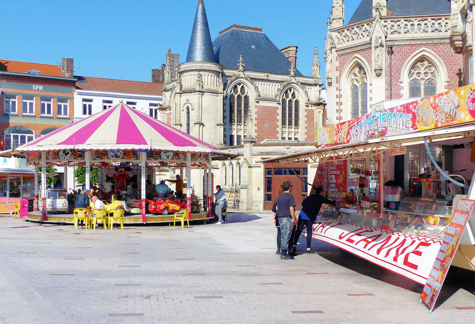 Place de la République, Tourcoing - Fête foraine, manèges