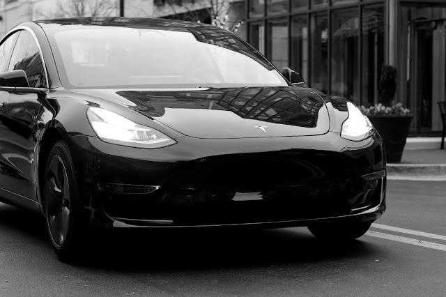 Tesla Photo by Tech Nick on Unsplash