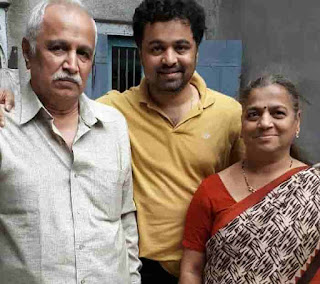 Subodh Bhave With His Parent