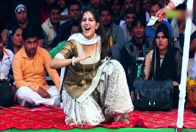 Sapna Chaudhary Stage Dance Video