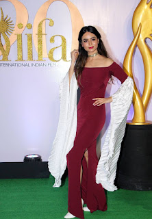 Soundarya Sharma At The Green Carpet Of The IIFA Rocks 2019 (3)