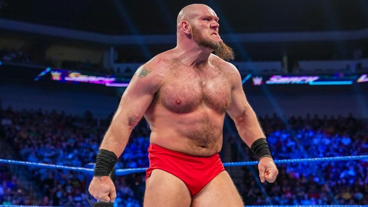 Revelado o motivo para Lars Sullivan ser retirado da WWE TV