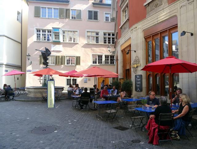 Neumarkt Nike Fountain Kantorei Terrace Zurich