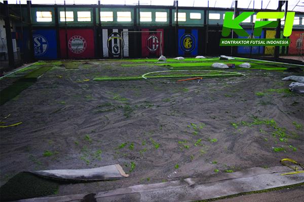 Pembongkaran Rumput Sintetis Futsal