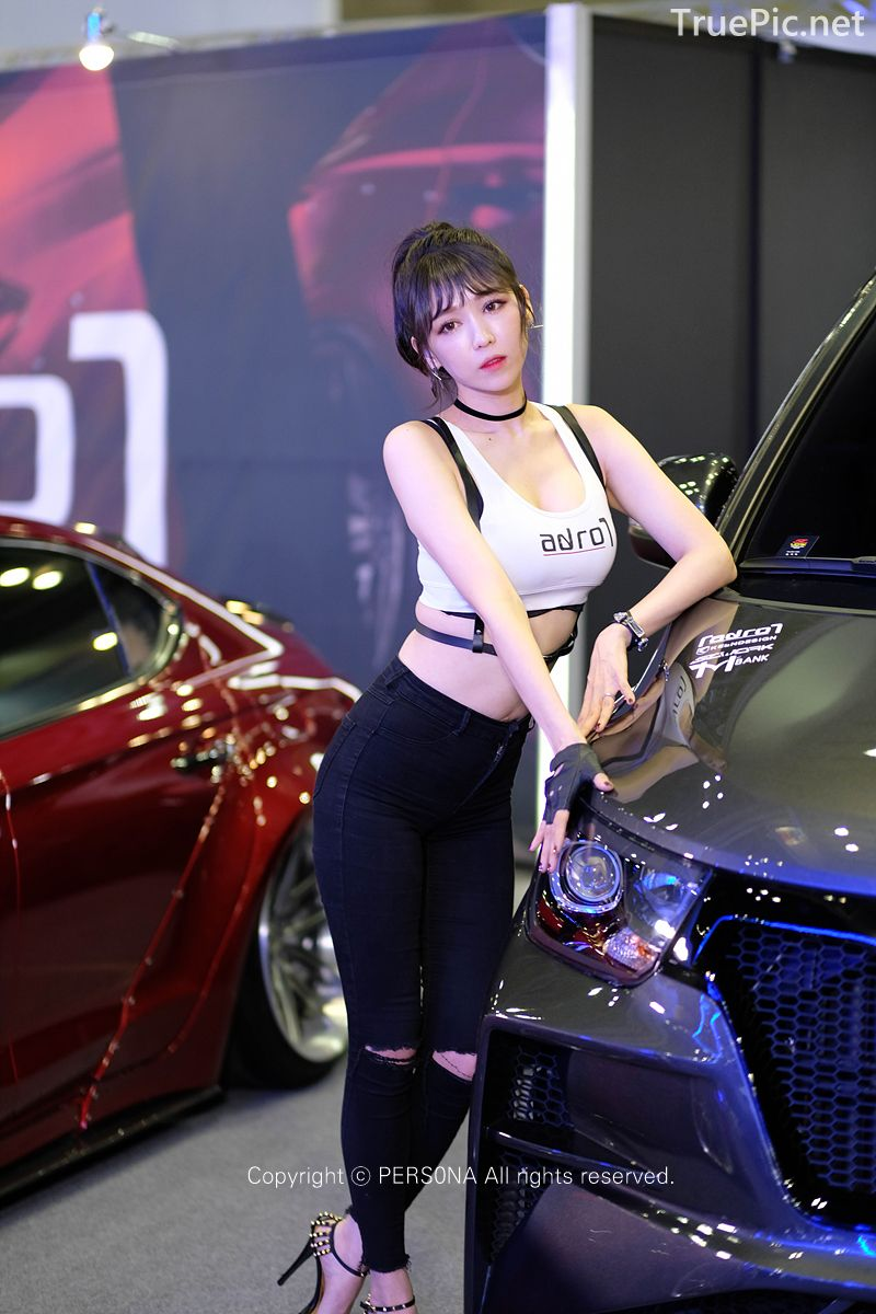 Korean Racing Model - Lee Eunhye - Seoul Auto Salon 2019 - Picture 6