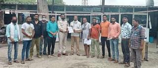 भाजपा कार्यकर्ताओं ने अमर्यादित पोस्ट करने के खिलाफ सौपा ज्ञापन