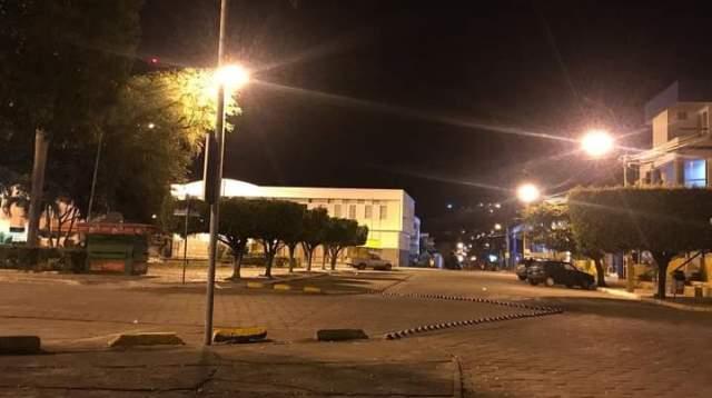 Com ocupação de UTIs no limite, Bahia antecipa toque de recolher para 20Hs a partir de segunda