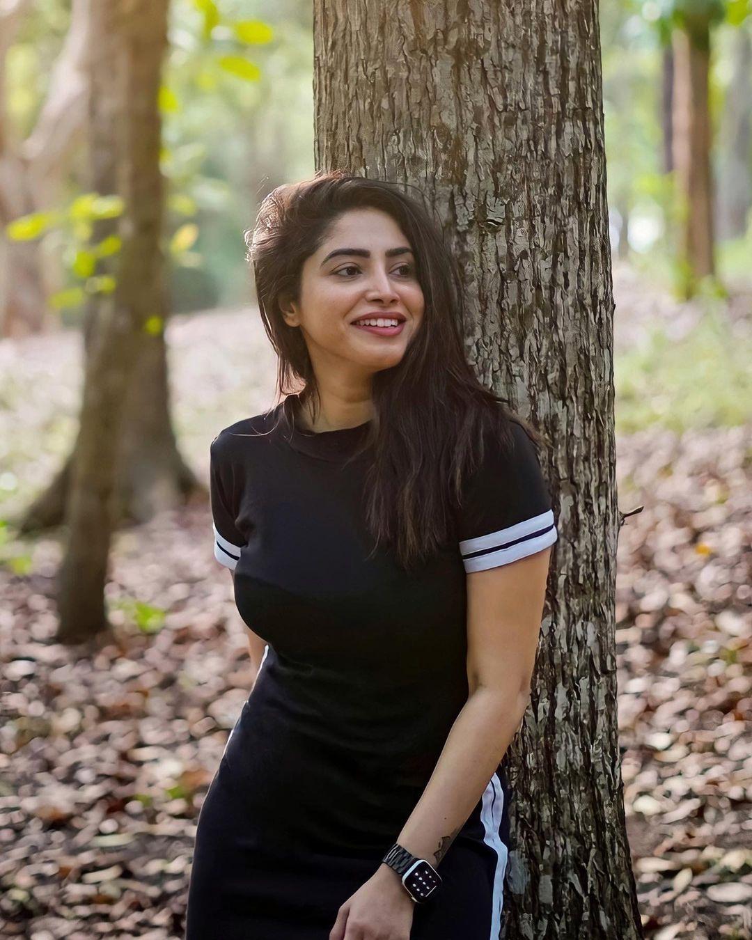 South Indian Actress Ameya Mathew Looking Hot in Black Dress