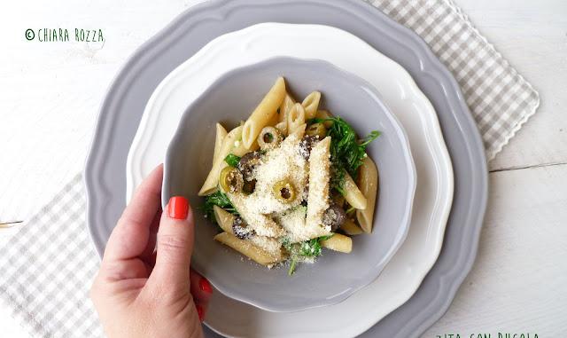 Zita con rucola, parmigiano e olive di Donna Hay