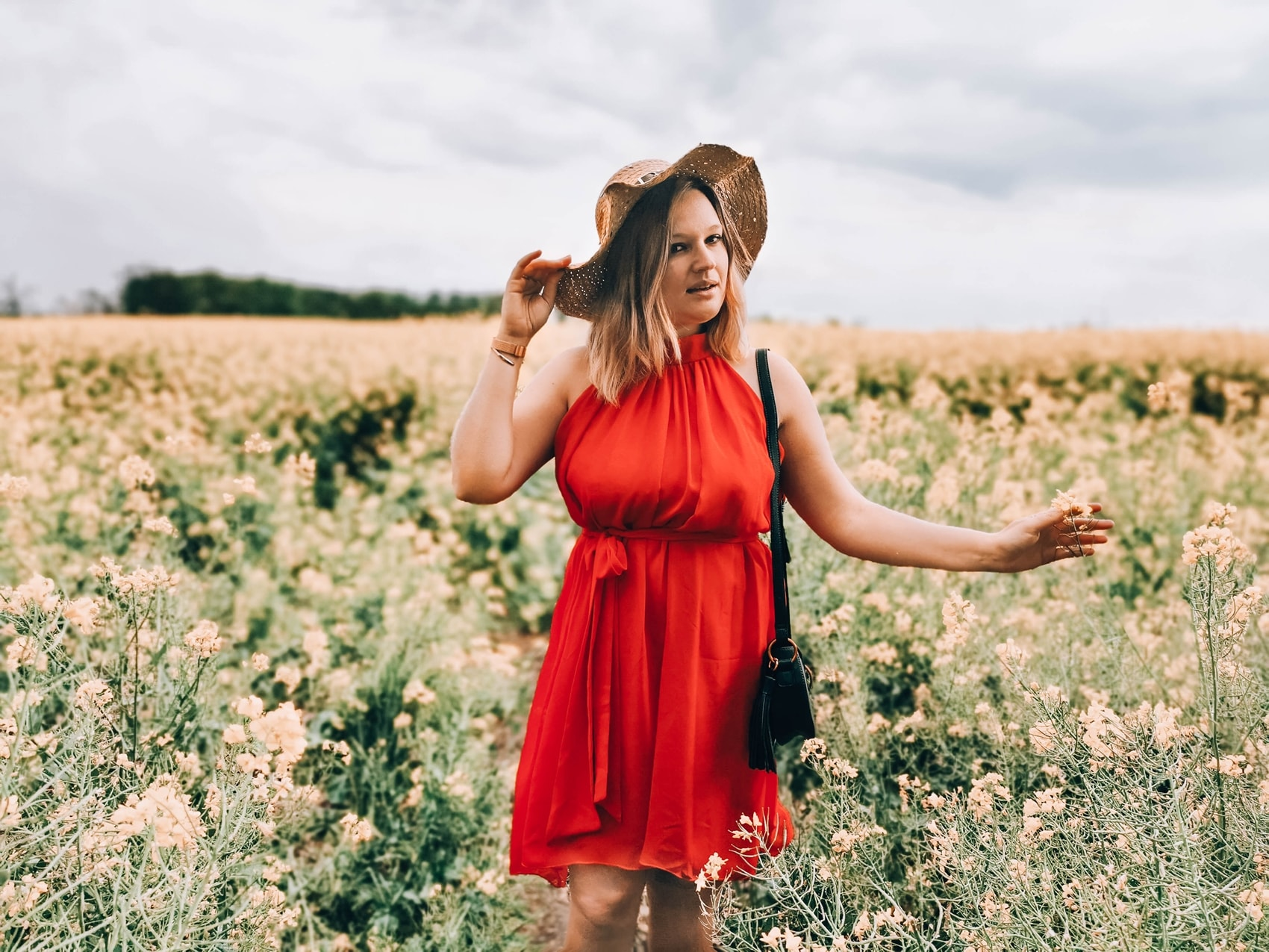 sukienka-czerwona_sensistore
