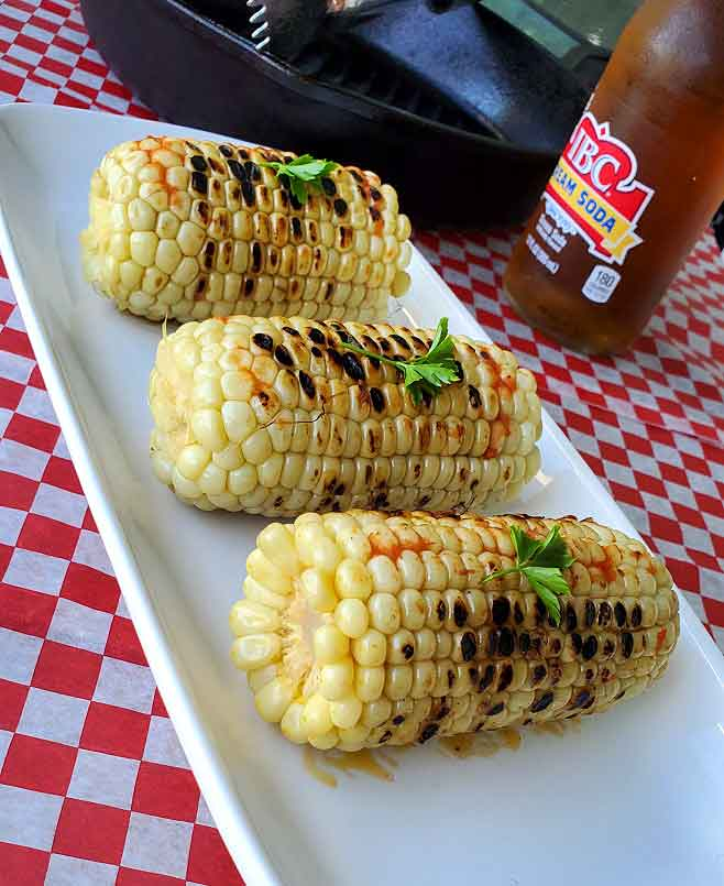 corn on the cob with spicy sauce