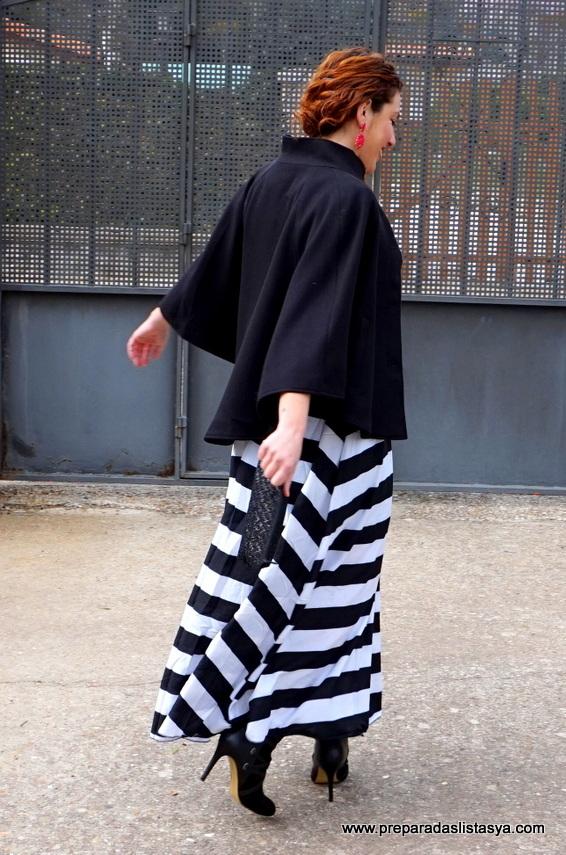 vestido largo blanco y negro