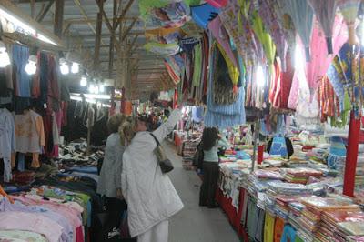 Γιάννενα: ΠΑΖΑΡΑΚΙ - Πλήθος κόσμου τις βραδινές ώρες