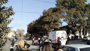 Tarde trágica en Alberdi: un jóven murio tras chocar en moto contra una camioneta