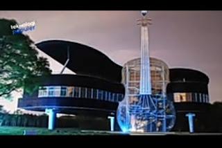desain rumah terunik di dunia rumah berbentuk piano dan biola