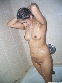 gujarati aunty wet bath