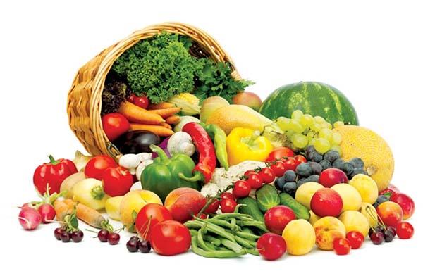 Nên ăn nhiều trái cây và rau củ sau khi phun xăm môi