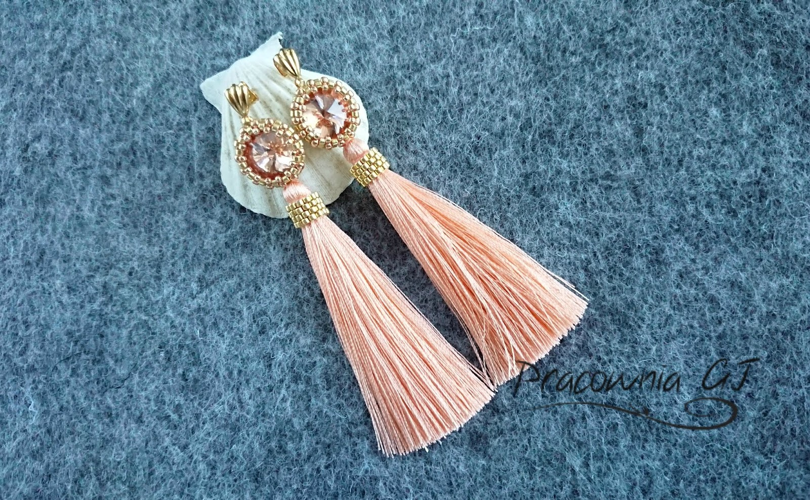 peach_earrings_with_swarovski_crystals_and_dangling_tassels