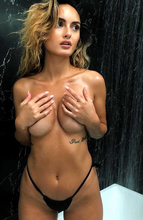Sexy Booty Beach G-String Bikini Girl