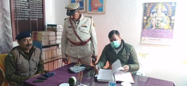 एसपी ने किया मधवापुर थाना का निरीक्षण