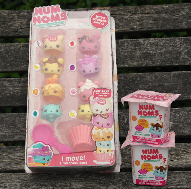Num Noms Series 1 Deluxe Pack Blog Review