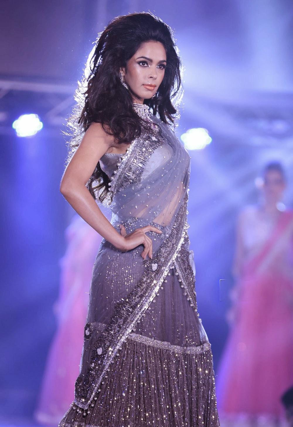 Mallika Sherawat wallpaper, Mallika Sherawat hot pics, Mallika Sherawat sexy ramp walk