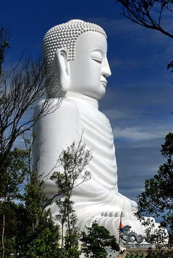Top 10 pho tượng Phật, Bồ Tát linh thiêng, to lớn nhất ở Việt Nam