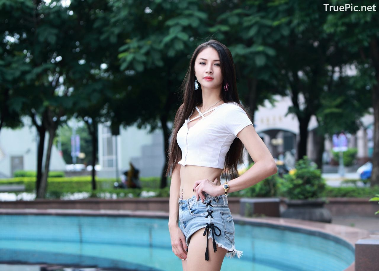 Image-Beautiful-Taiwanese-Girl-Lola-雪岑-Perfect-Long-Legs-Baby-TruePic.net- Picture-3