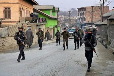 इमरान खान की ताजपोशी के दिन पाकिस्तानी आतंकी है बरे हमले के फ़िराक में : रिपोर्ट