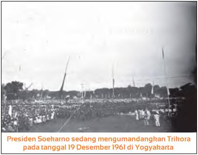 Presiden Soekarno sedang mengumandangkan Trikora pada tanggal 19 Desember 1961 di Yogyakarta