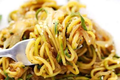 Stir Fry Zucchini Noodles (Zoodles!)