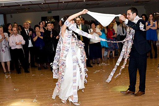 Money Dance Wedding.Wedding Traditions And Meanings What Is The Meaning Of The