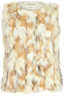 https://ad.zanox.com/ppc/?36459306C76146881&ulp=[[http://www.riverisland.fr/women/sale/coats--jackets/cream-patchwork-faux-fur-gilet-669754?cmpid=af_Zanox_FR]]