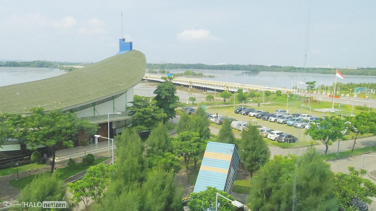 Taman Terminal Teluk Lamong