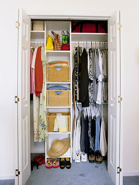 Bathrooms Models Ideas: Small Bedroom Closet Organization ...