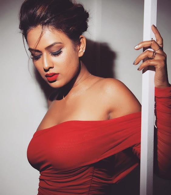 nia sharma looks so hot in red outfitnia sharma looks so hot in red outfit