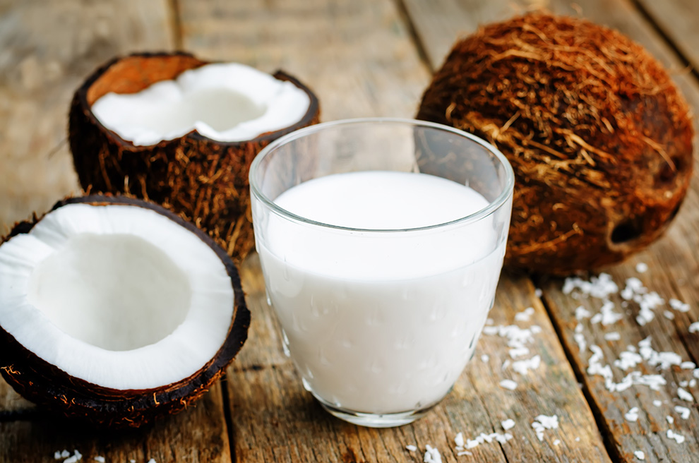ماهو الحليب السحري الذي له فوائد لاتعد ولا تحصى (حليب جوز الهند)