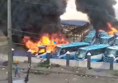 Video: Unknown Individual Set BRT Buses Ablaze in Lagos